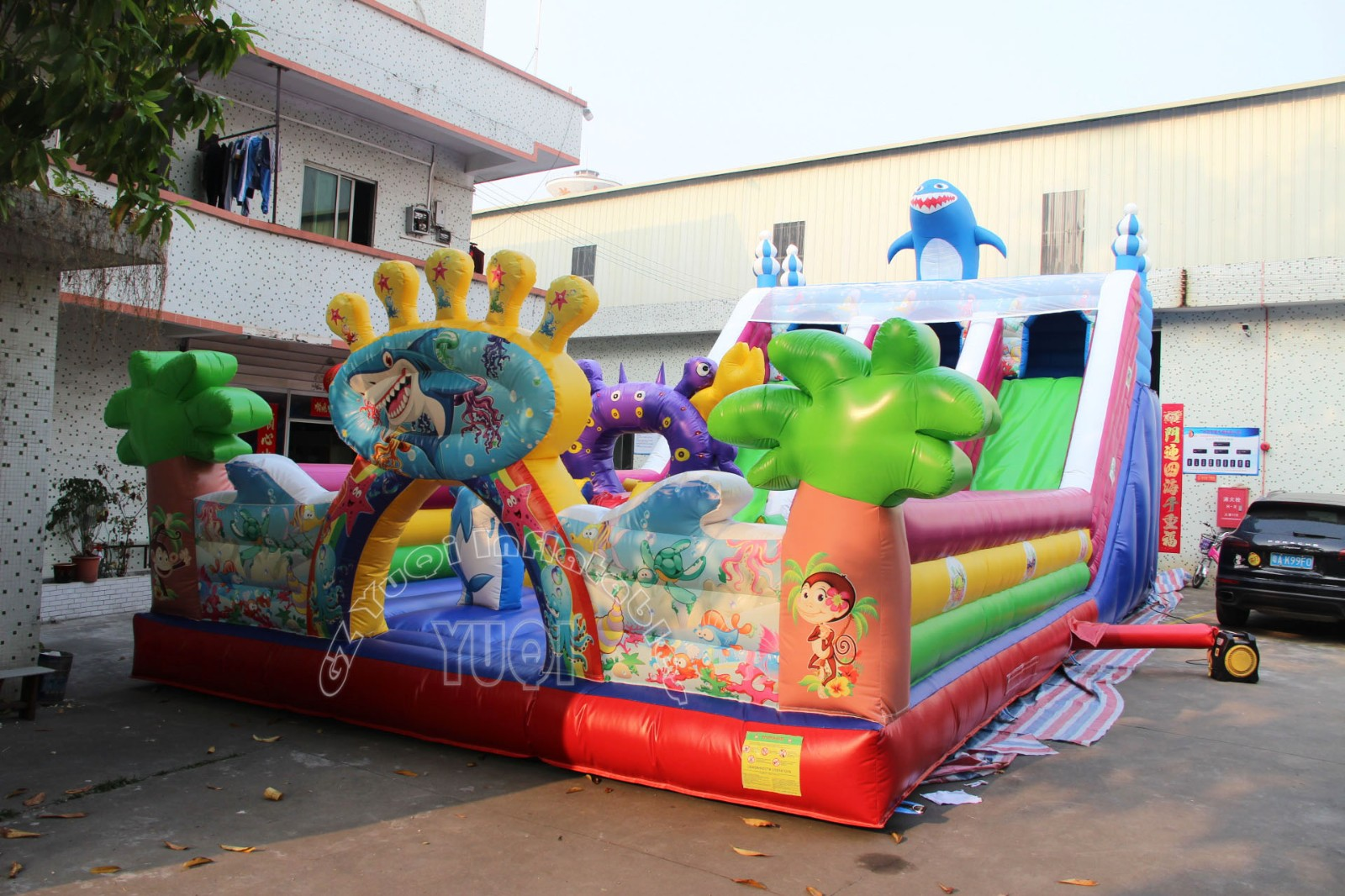 YUQI-Best Yq3 Pvc Material High Quality Giant Shark Inflatable Play Park