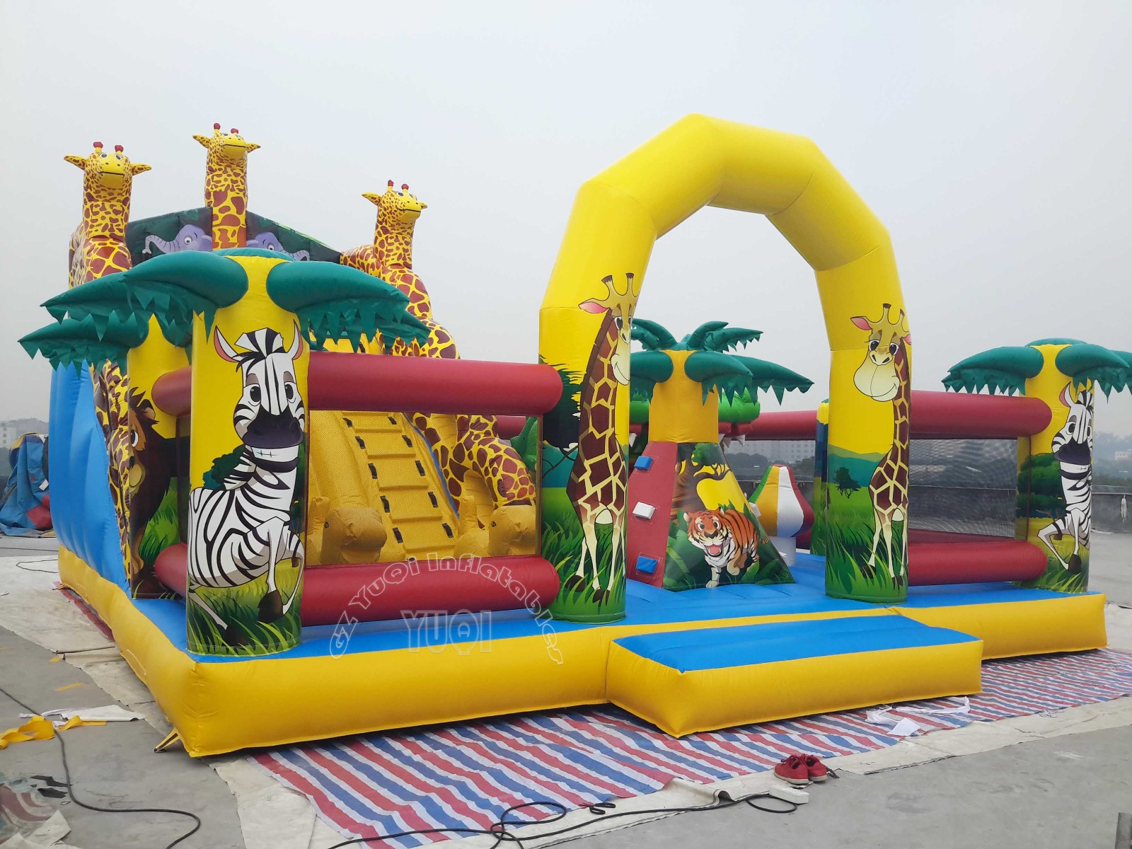 YUQI-Professional Inflatable Jumpers Inflatable Fun Park Manufacture