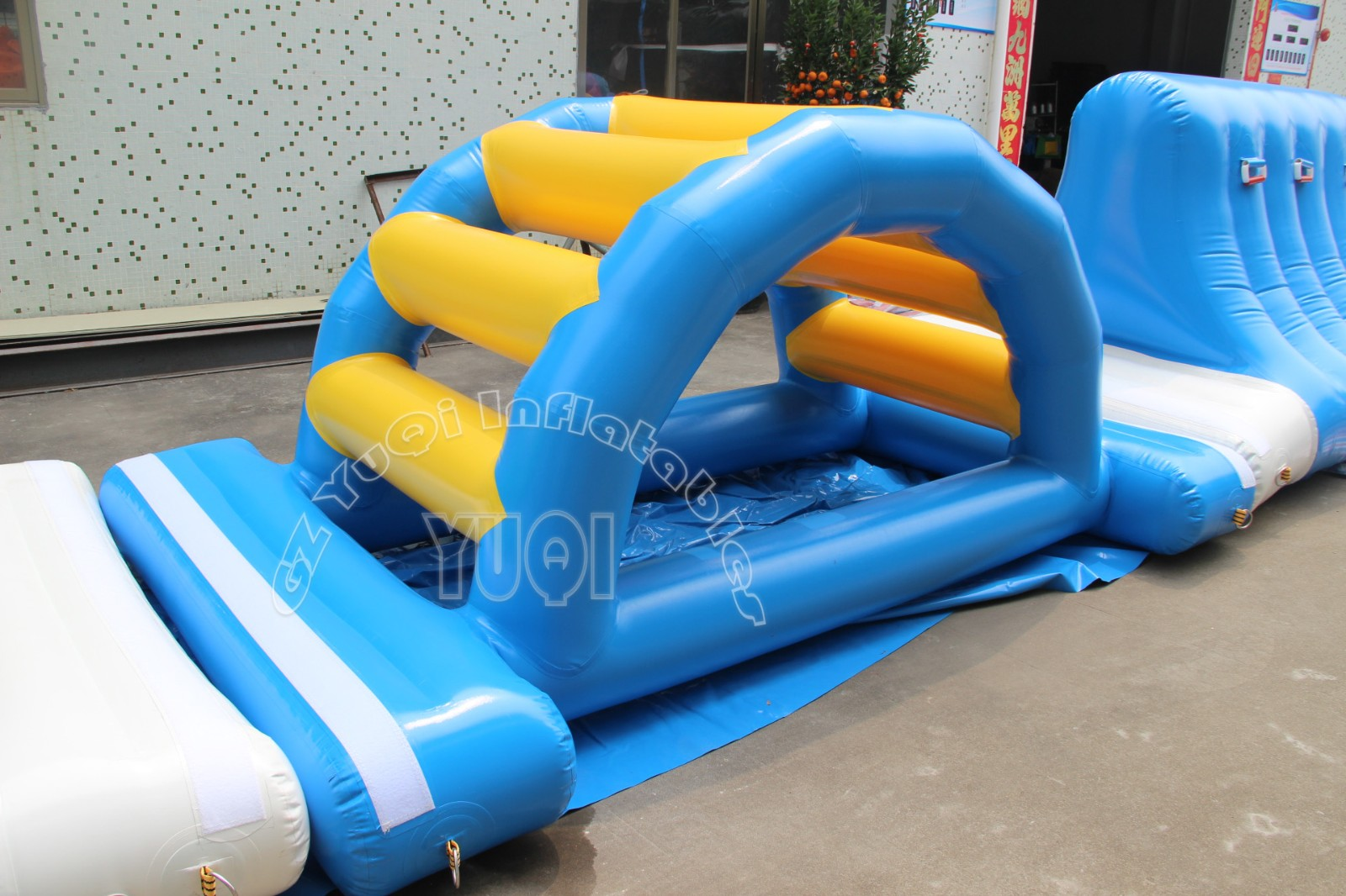 YUQI-Super Inflatable Floating Trampoline Floating Inflatable Water Park-5