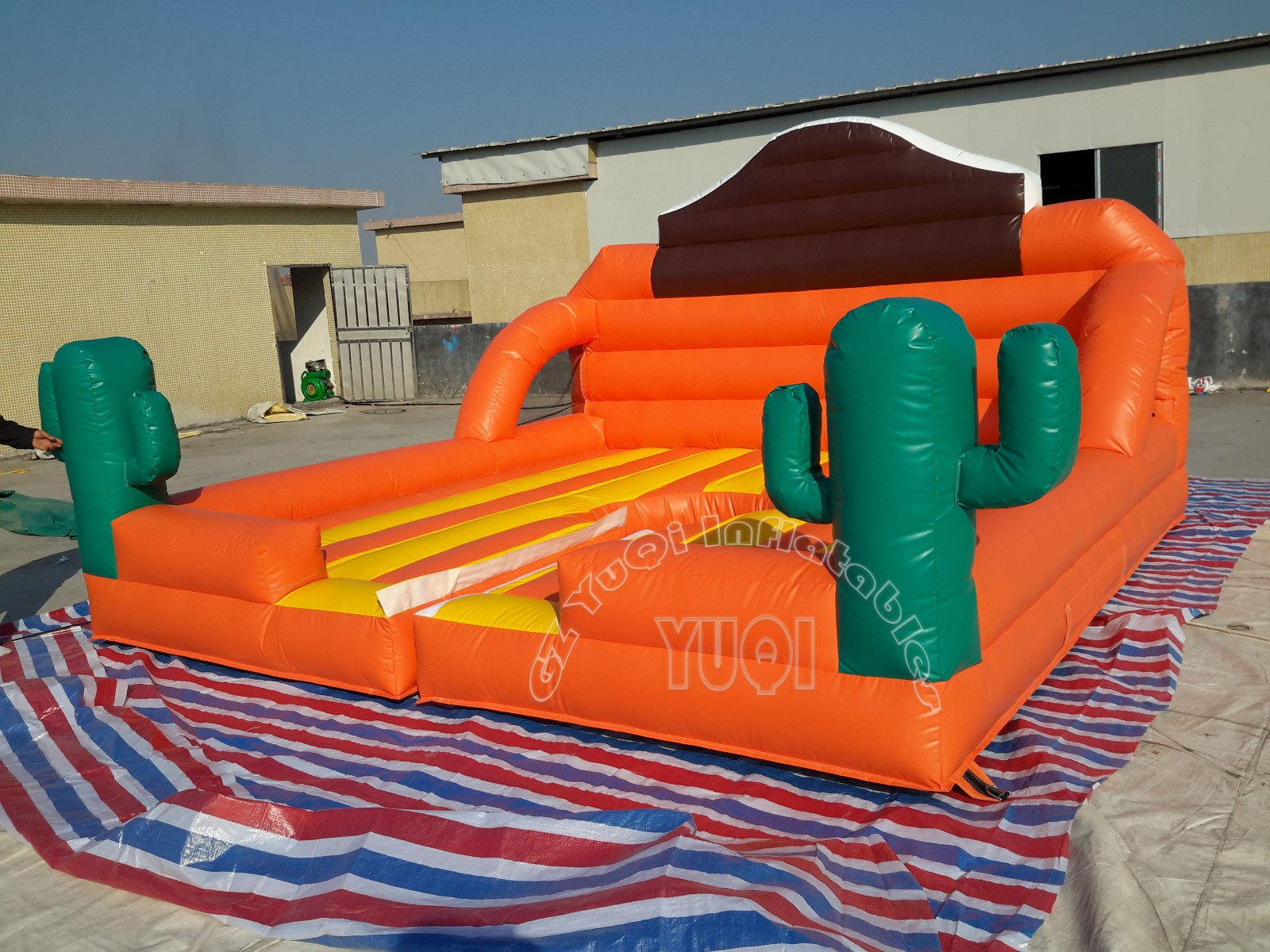 YUQI-Yq676 Interesting Inflatable Bull Machine Inflatable Sports Game