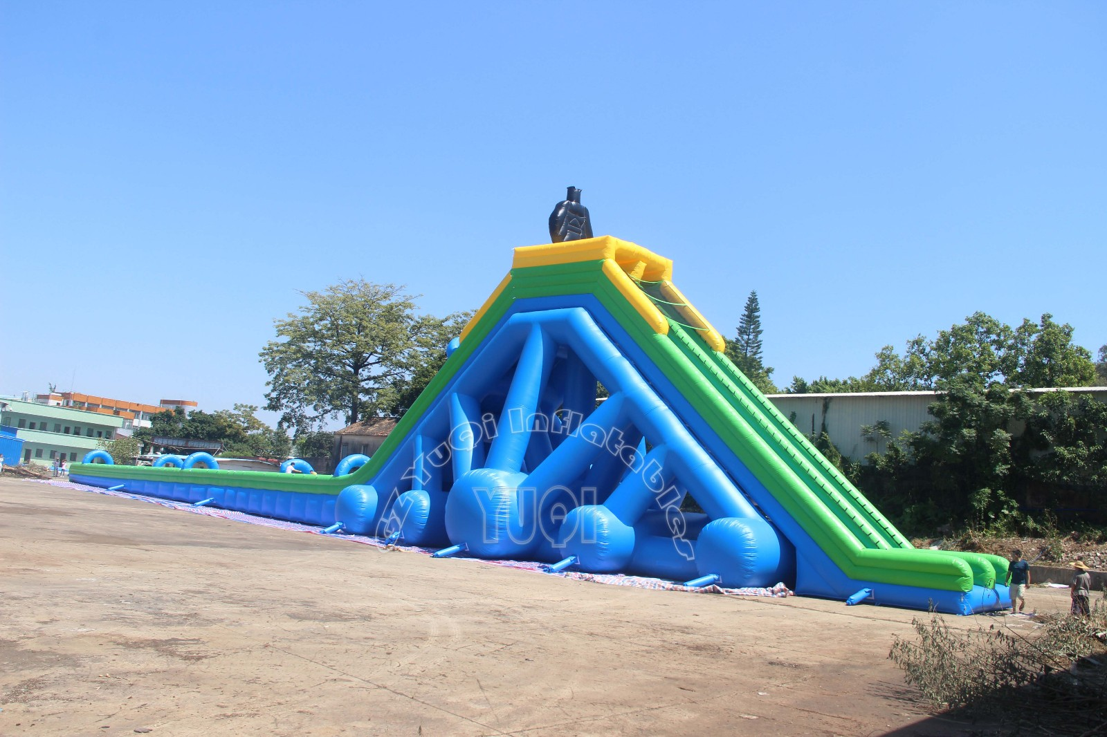 YUQI-Info Center | Giant Inflatable Slide Testing-1
